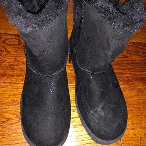 Winter black boots